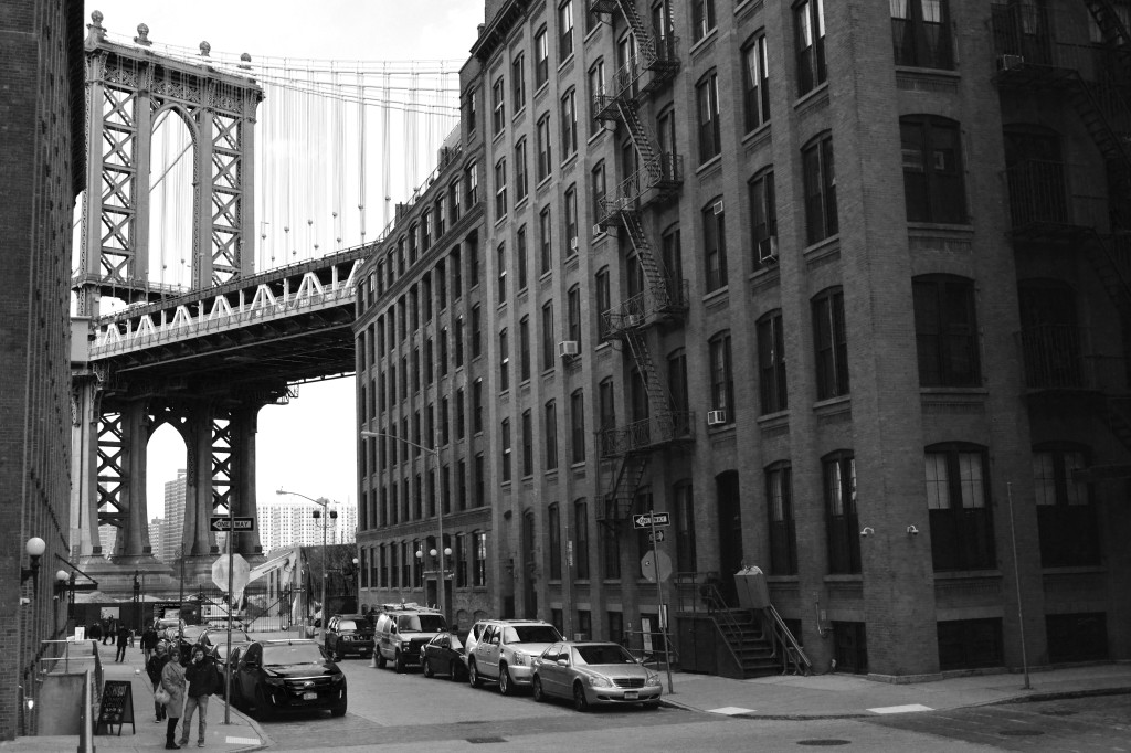 Building at Washington Street in the neighborhood of Dumbo, New York City. Picture made by Mehdi Guenin.